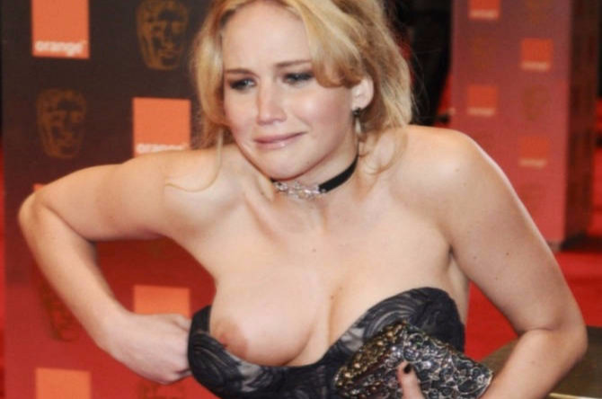 Jennifer Lawrence showing her Tits