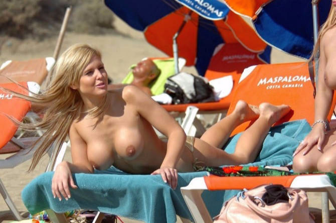 Michelle Bass Topless Beach Tits
