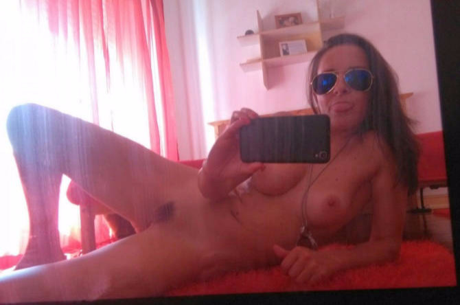 Wifes Tits naked Mirror Photo