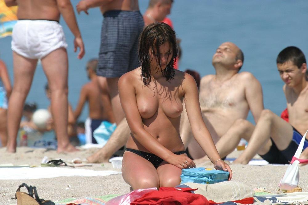 Reality stars sexy beach style